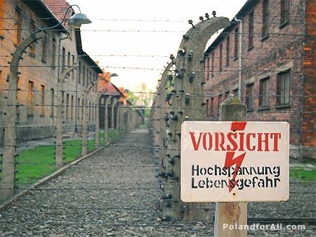 external image auschwitz-birkenau-camp-fen.jpg