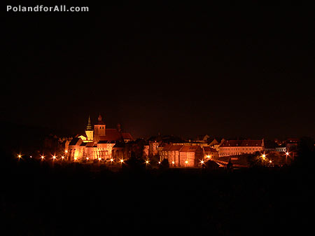 Night view of Grudziadz and Vistula River