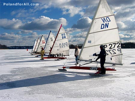 Ice boaters ready to go
