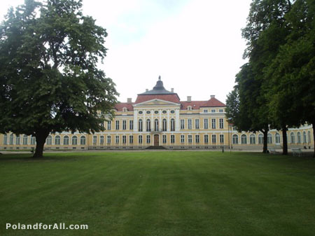 Baroque and neoclassical palace in Rogalin