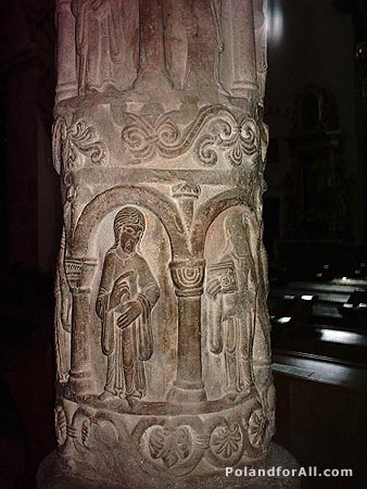 Romanesque column with personifications of virtues in Holy Trinity church in Strzelno